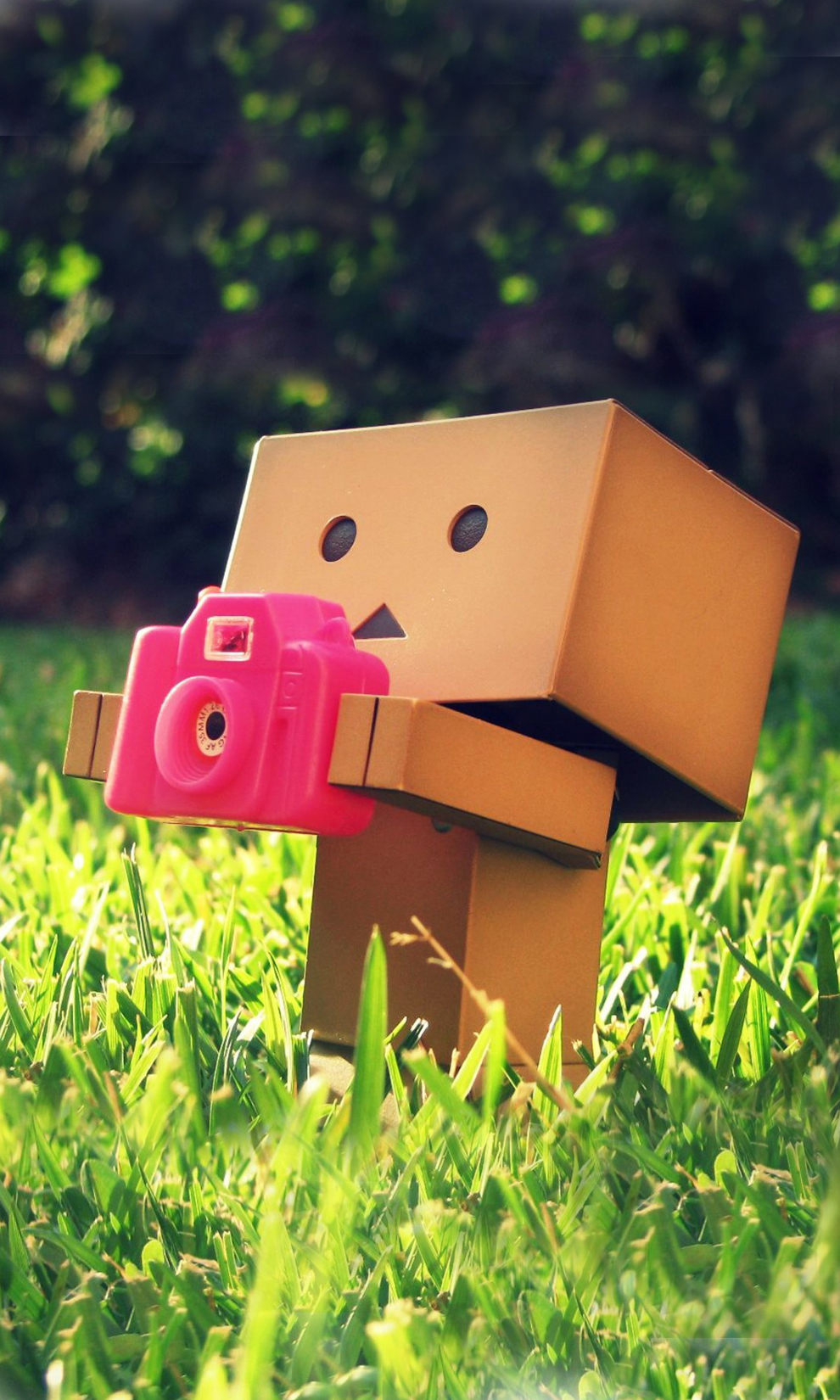 3d Box Robot With Pink Camera Android Wallpaper